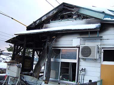 広田駅倉庫外側